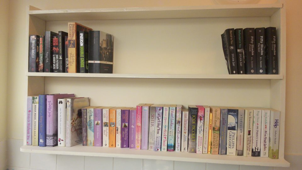 book exchsnge shelf at picnic pantry broadstairs